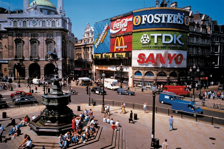 16. Piccadilly Circus